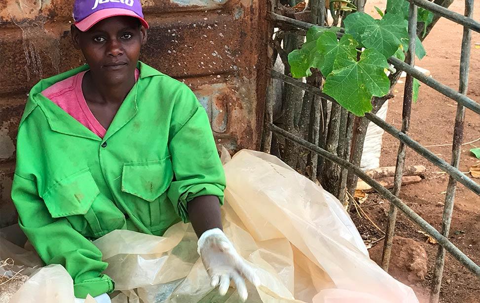 Worker at mukau plantation